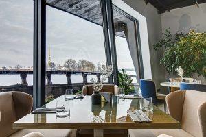 12 новых заведений января и как их оценивают петербуржцы. Двухэтажный ресторан на корабле, португальская кухня на Рубинштейна и завтраки весь день