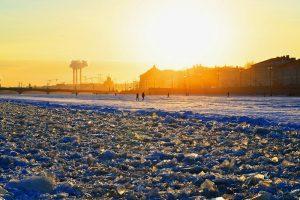 У-у-ух, как же холодно! Или бегом гулять по морозу? Пройдите тест и узнайте, как легко вы переживаете зиму ❄️️