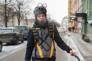 В Петербурге прошла акция «На работу на велосипеде» в –14 градусов. Вот фотографии замерзших, но довольных участников ❄️🚴