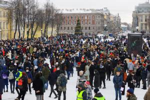 Суд в Петербурге прекратил два дела по итогам протестной акции 31 января. Полиция указала в протоколах неверный адрес задержания