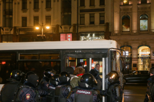Петербурженка сообщила, что ее друга задержали по делу о применении насилия к полицейскому на акции 31 января