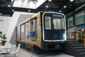 В Петербурге представили вагон с USB-розетками, Wi-Fi и «умным» окном. Его поставят на красную линию метро в 2022 году