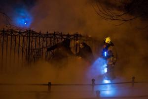 Прорыв трубы с кипятком на Васильевском острове мог произойти из-за износа конструкций. Пострадавший проезжал мимо на велосипеде, он в стабильно тяжелом состоянии