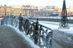 За три дня в Петербурге выпало 67 % от месячной нормы осадков. Сегодня ожидают обильный снегопад, а затем — оттепель
