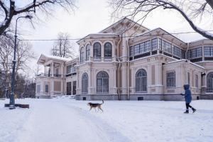 История дачи Громова в Лопухинском саду — от купеческой виллы до ленинградской телестудии. Отрывок из письма «Бумаги»