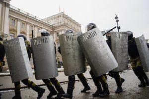 Десятки арестов и штрафов, уголовные дела о насилии в отношении полицейских и больше 1300 задержанных. Что известно об итогах акции 31 января