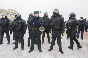 Что делать, если меня задержали и везут в отдел полиции? Инструкция «Бумаги»