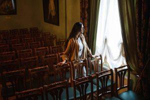 Петербурженка смотрит больше 100 спектаклей в год. Она рассказывает, зачем так часто ходит в театр и что чувствует после пяти постановок в день