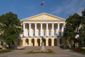 В Петербурге за 320 млн рублей отреставрируют комплекс зданий Смольного института