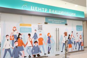 В Петербурге прививку от коронавируса теперь можно сделать в восьми торговых центрах