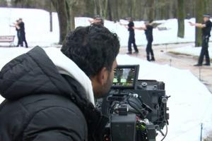 В Гатчине прошли съемки индийского боевика «Кобра» — c трюками, погоней и драками. По сюжету действие происходит в Шотландии