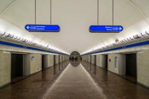 Станция метро «Парк Победы» изменит время работы из-за ремонта эскалатора. Два дня она будет закрыта