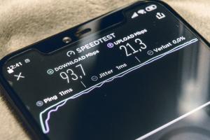 В Петербурге летом 2021 года запустят пользовательскую сеть 5G в более чем десяти популярных у горожан местах