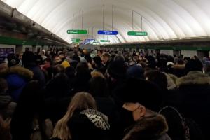 Власти Петербурга потребовали не повышать цены на такси во время нештатных ситуаций. Повод — скачок стоимости проезда при приостановке движения в метро