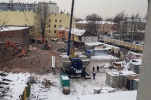Суд приостановил снос исторического здания на проспекте Бакунина. На его месте хотят построить девятиэтажный дом, местные жители против