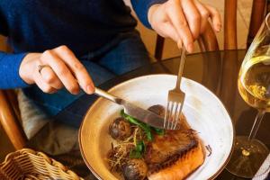 В некоторых петербургских ресторанах планируют поднять цены на позиции в меню — из-за подорожания продуктов