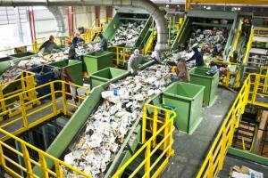 До 2024 года в Ленинградской области могут построить семь мусороперерабатывающих комплексов. Два из них — мощностью до миллиона тонн отходов в год