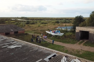 Дудь выпустил фильм о проекте «Кружок», участники которого учат детей в деревнях веб-разработке. Ему может навредить закон о просветительской деятельности