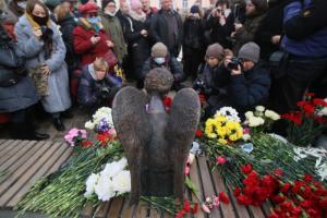 Россия занимает второе место в мире по приросту смертности во время пандемии, пишет «Проект»