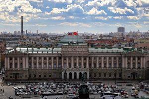 Что происходит в Петербурге за полгода до выборов в Закс и Госдуму. Главное о формате голосования, кандидатах и давлении на оппозицию