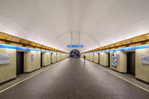 Станция метро «Петроградская» изменит режим работы до июня. Вход будут закрывать на три часа по утрам и ограничивать по вечерам