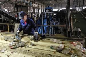 В Ленобласти к 2024 году могут появиться семь мусороперерабатывающих комплексов — три из них уже утвердили федеральные власти. Что об этом известно