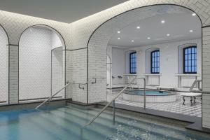 На набережной Мойки после реставрации открываются Фонарные бани. Первые посетители могут попасть туда со скидкой