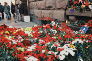 За четыре года власти и метрополитен выплатили жертвам теракта в Петербурге 130 млн рублей. Некоторым до сих пор нужно лечение — им помогают правозащитники