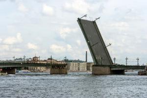Разводка мостов в Петербурге. График «Бумаги» на 2021 год