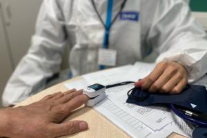 В Петербурге цикл вакцинации от коронавируса закончило 4,5 % реального населения