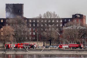 Пожар в здании «Невской мануфактуры» полностью потушили. На это ушло почти пять дней