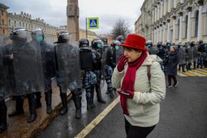 «Реже всего информанты требовали честных выборов». Социологи проинтервьюировали 90 участников митингов в Петербурге и Москве — вот результаты