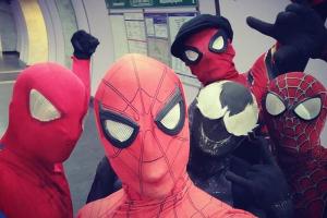 «Один раз меня пырнули ножом». Петербургский Человек-паук — о перформансах в метро и реакции пассажиров 🕸️