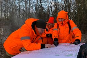 «Лес не прощает ошибок». Волонтеры отряда «ЛизаАлерт» — о том, почему теряются люди и как их ищут