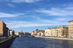Где прогуляться в Петербурге в теплый солнечный день? Десять идей — от набережных с видом на залив до уютных садиков и дворов