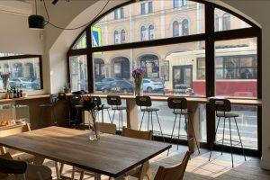 На Садовой улице открыли кофейню Not For Sale от одноименной марки одежды. Позднее в том же доме заработает шоурум бренда