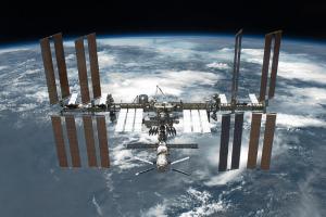 Россия может выйти из проекта МКС до 2025 года и создать свою национальную орбитальную станцию