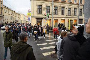 «Кто-то даже с работы отпросился, чтобы в итоге быть избитым». Монологи участников митинга 21 апреля в Петербурге