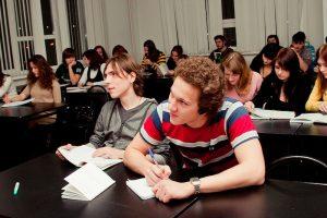 Для студентов и школьников введут дополнительные каникулы с 1 по 10 мая. Обновлено