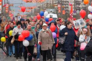 В Купчине 6 мая хотели провести праздничное шествие в честь Дня Победы, перекрыв улицы. В последний момент чиновники сообщили, что всё отменяют