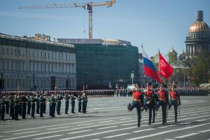 Власти призвали петербуржцев ходить по улицам в масках на праздновании 9 Мая