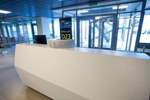 Прокуратура проверяет действия авиакомпании «Победа». Группу школьников в аэропорту Пулково не пустили на рейс