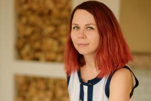 Петербурженка рассказала, что бывший муж облил ее зеленкой в парадной. До этого она жаловалась на угрозы, но полиция отказалась возбуждать дело