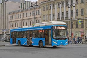 Весь пассажирский транспорт Петербурга к 2023 году планируют перевести на природный газ
