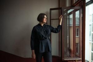 Сотрудница фонда «Внимание» в Петербурге — о восстановлении исторических дверей и витражей, поиске архивных снимков и важности локальных сообществ