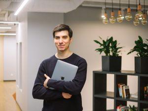 Как работать в кайф, если ты продакт-менеджер? СотрудникSemrush— об утренней продуктивности, важности посещения офиса и актерских курсах по вечерам