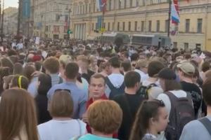 В Кремле прокомментировали проведение «Алых парусов» во время роста заболеваемости коронавирусом