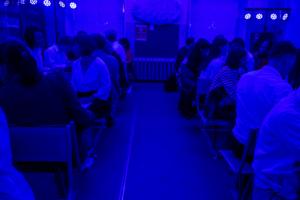 «Симулятор школы», проект о Северной Корее и спектакль, где зрители получают загадочные посылки, — как в Петербурге пройдет фестиваль «Точка доступа»