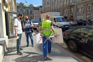 Смольный проверил летние кафе в центре Петербурга. Незаконные террасы нашли на Рубинштейна, Гороховой и других улицах