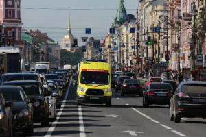 «Зафиксированы единичные случаи». Власти Петербурга подтвердили госпитализации участников ПМЭФ из-за COVID-19